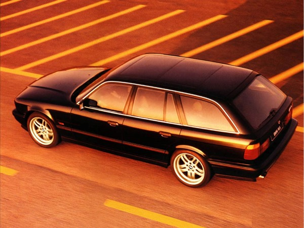BMW M5 E34 familiar