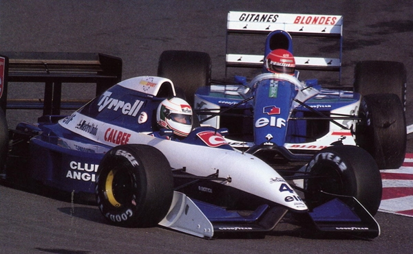 Con el Tyrrell en Japón 1.992