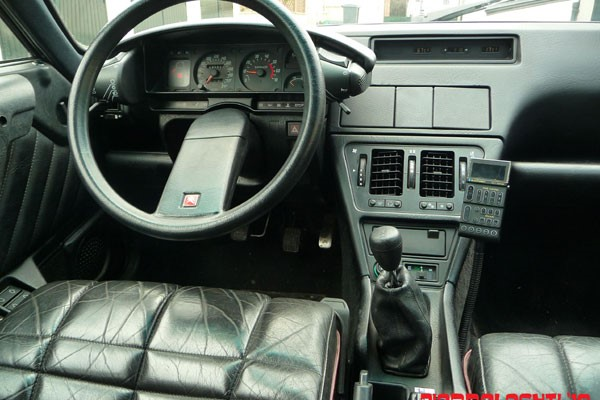 Citroën CX 25 GTI Turbo 2 interior